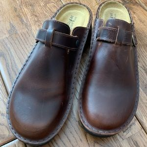 Naot Aster Clogs Brown Leather New 41